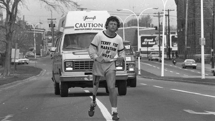 """Терри Фокс.""""У меня нет причин останавливаться"""" ADME, Добро, Марафон, Рак, Благотворительность, Длиннопост, Биография, Старое фото, Терри Фокс"""
